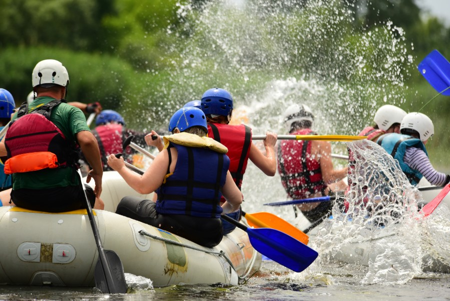 two groups of people doing water rafting | Rafting in Colorado is Deadly This Year
