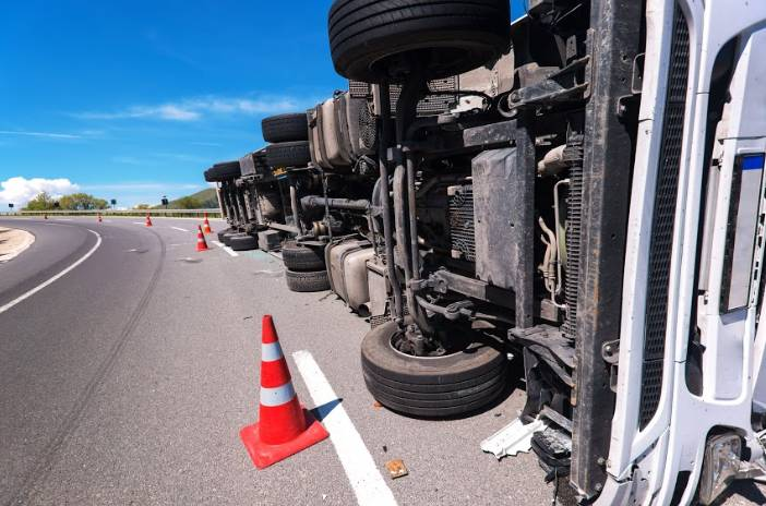 semi truck tripped on the road | fatal semi-truck accident in clear creek canyon